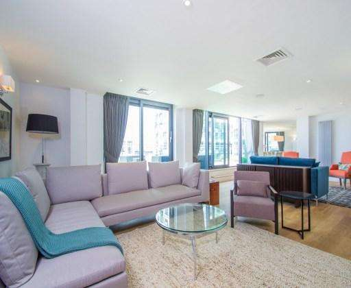 4 Bedrooms Flat for rent in london, E14