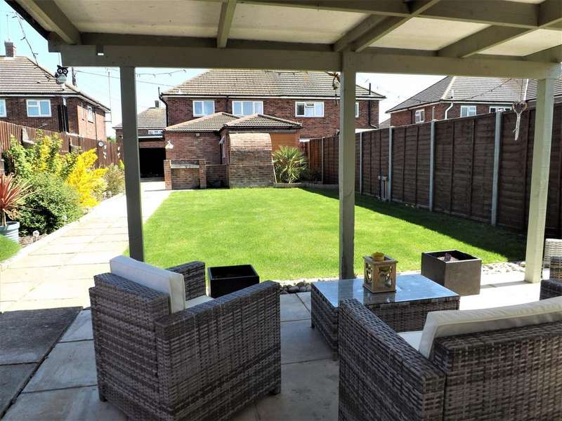 4 Bedrooms Semi Detached House for sale in Hall Hill Road, Holbeach