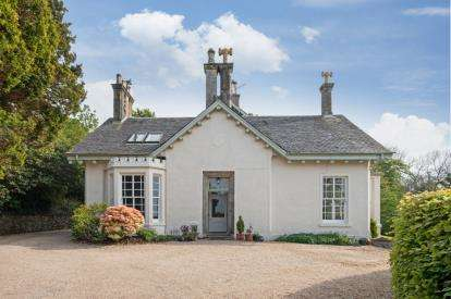 4 Bedrooms Semi Detached House for sale in Bankhouse Avenue, Largs