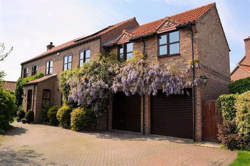 5 Bedrooms Detached House for sale in Maypole Gardens, Cawood, YO8