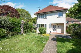 4 Bedrooms Detached House for sale in Queens Avenue, Elms Vale, Dover, Kent