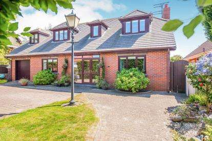 4 Bedrooms Detached House for sale in Hall Road East, Liverpool, Merseyside, L23