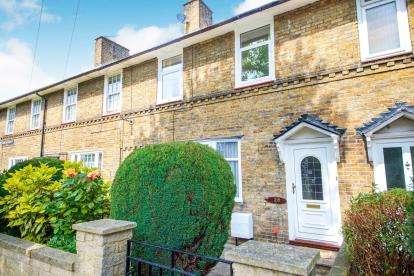 3 Bedrooms Terraced House for sale in Gospatrick Road, Tottenham, Haringay, London