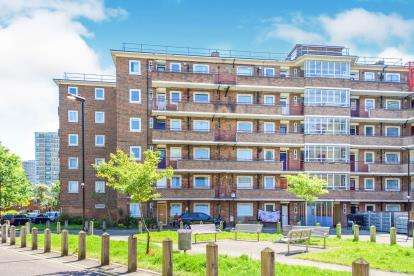 2 Bedrooms Flat for sale in Remington Road, London