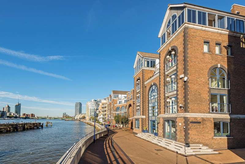 2 Bedrooms Flat for sale in Molasses House, Battersea, SW11
