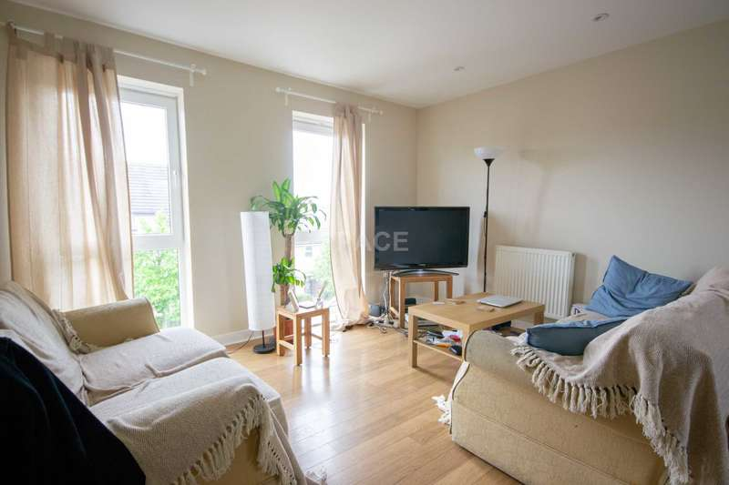 2 Bedrooms Flat for sale in Whale Avenue, Reading