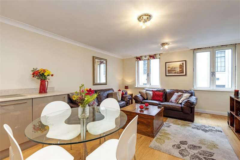 2 Bedrooms Apartment Flat for sale in Carthusian Street, London, EC1M