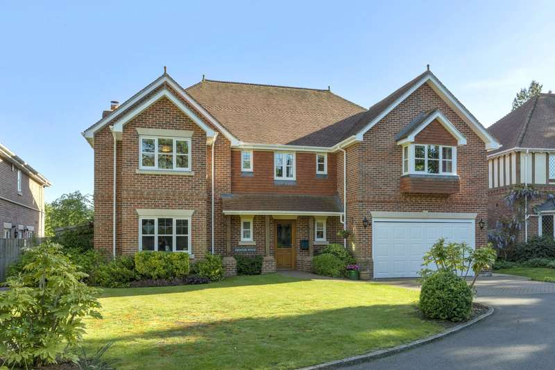 5 Bedrooms Detached House for sale in Longheath Drive, Bookham, KT23