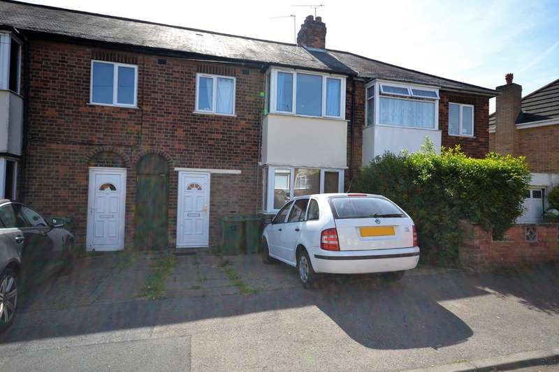 3 Bedrooms Terraced House for sale in Leyland Road, Leicester LE3