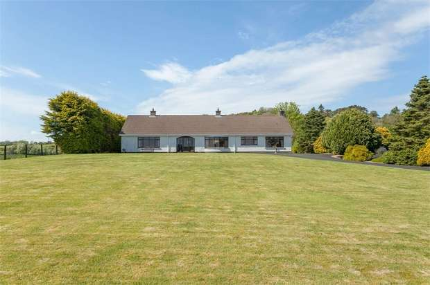 3 Bedrooms Detached Bungalow for sale in Carnlough Road, Broughshane, Ballymena, County Antrim