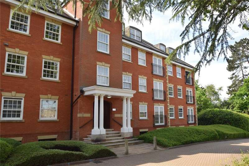 2 Bedrooms Maisonette Flat for sale in Keephatch House, Montague Close, Wokingham, Berkshire, RG40