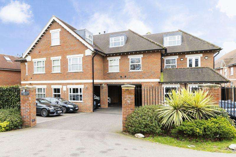 2 Bedrooms Apartment Flat for rent in Manor Road, Chigwell