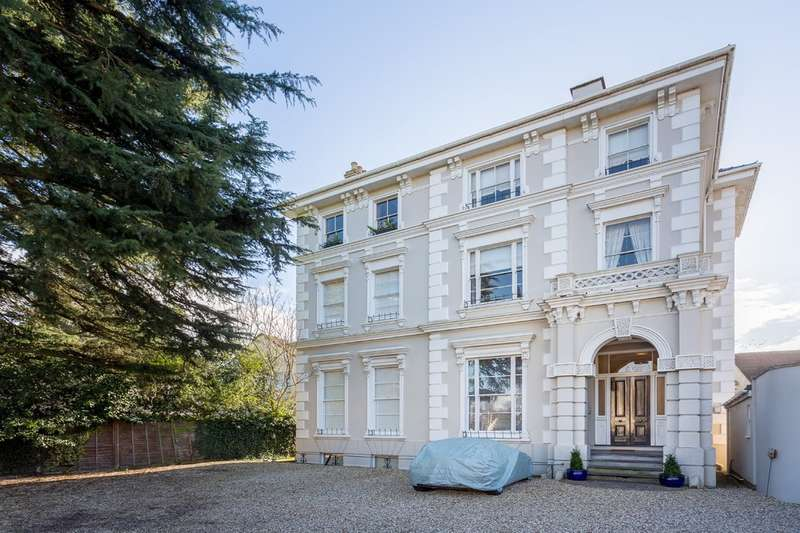 2 Bedrooms Flat for sale in Pittville Circus Road, Cheltenham