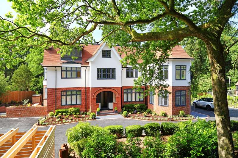2 Bedrooms Apartment Flat for sale in Tower Road, Hindhead, GU26