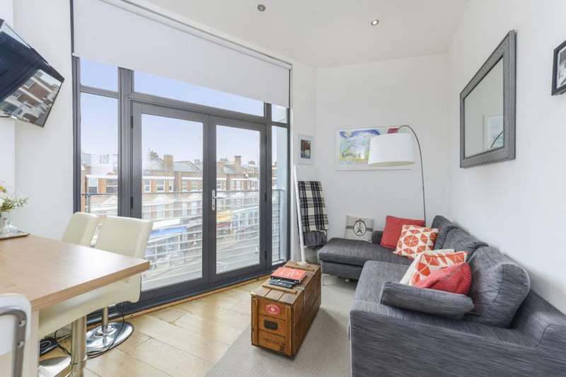 2 Bedrooms Flat for sale in Broadway