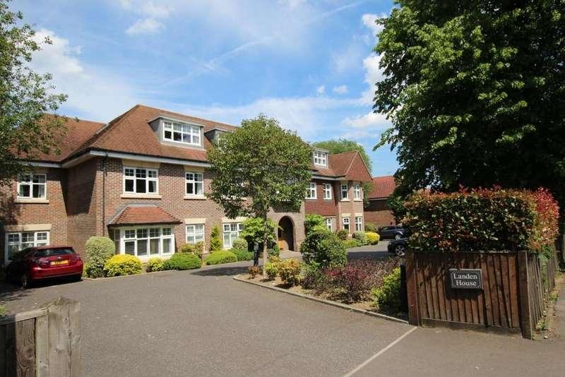 2 Bedrooms Flat for sale in Landen House Rectory Road, Wokingham, RG40