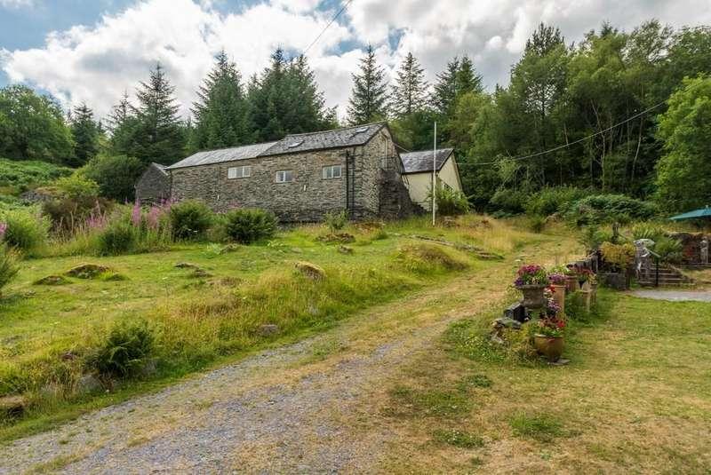4 Bedrooms Detached House for sale in Dolwyddelan, Gwynedd, North Wales