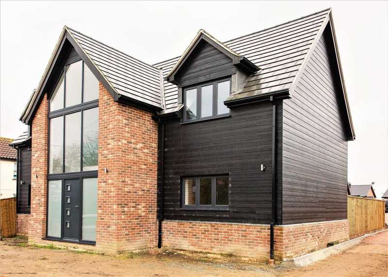 5 Bedrooms Detached House for sale in Falkenham Road, Kirton