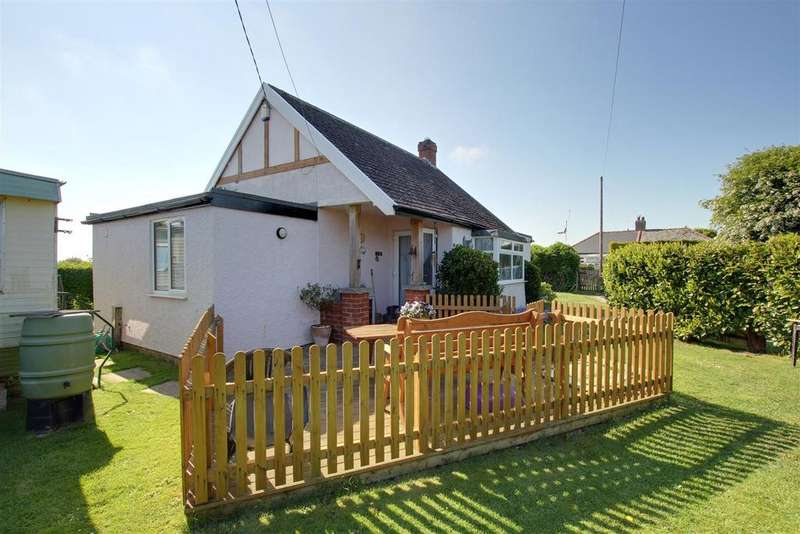 2 Bedrooms Detached Bungalow for sale in Golf Road, Mablethorpe