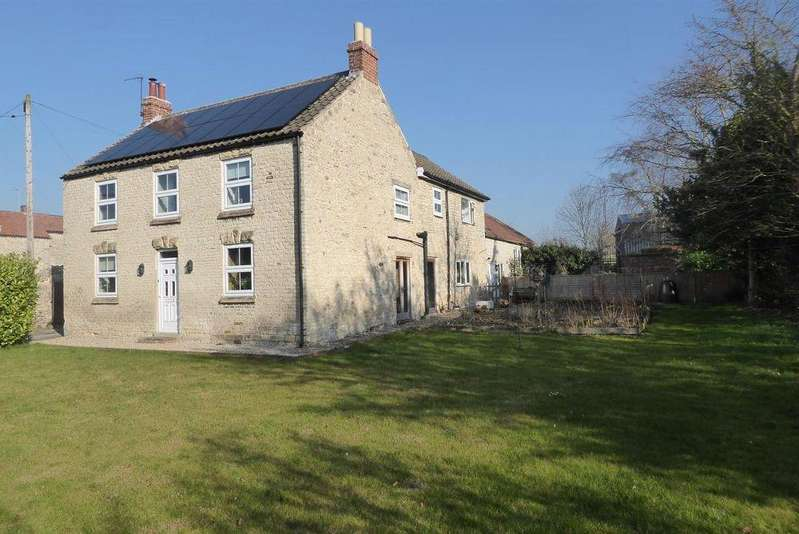 4 Bedrooms Farm House Character Property for sale in Bee Poultry Farm, Middleton, Pickering, YO18 8NX