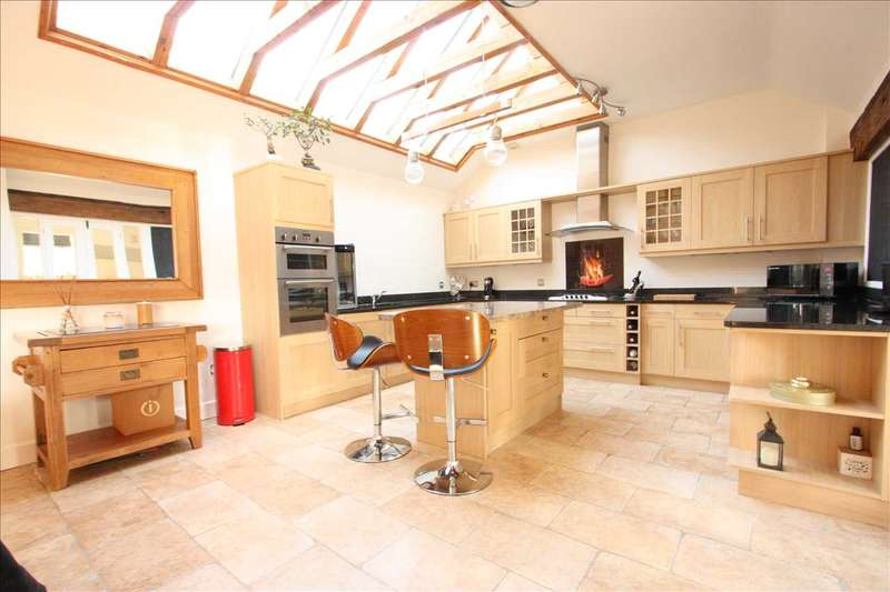 3 Bedrooms Barn Conversion Character Property for sale in Chestnut Farm, Hooton