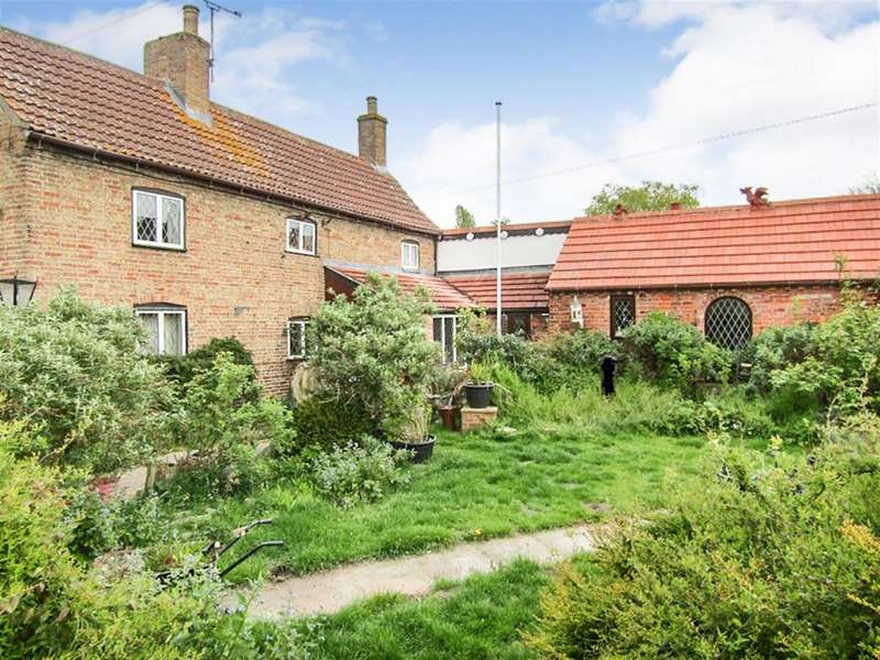 3 Bedrooms Semi Detached House for sale in High Street, Marton, Gainsborough, DN21 5AL