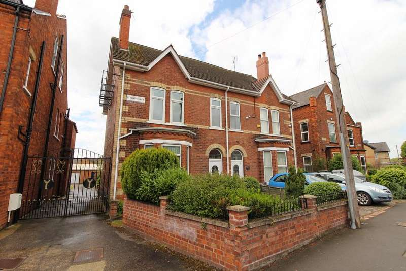 4 Bedrooms Semi Detached House for sale in Morton Terrace, Gainsborough