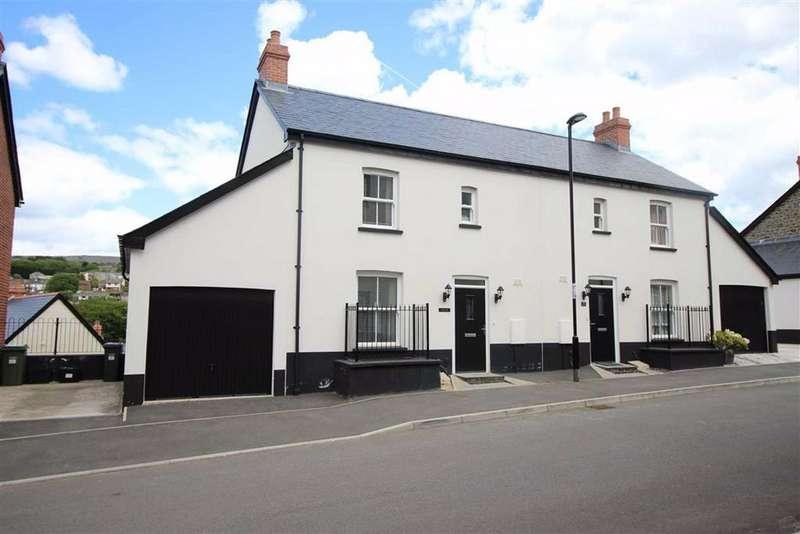 4 Bedrooms Semi Detached House for sale in Rowan Way, Blaenavon