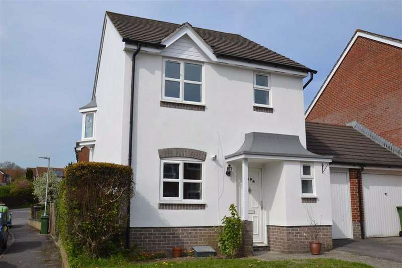 3 Bedrooms Detached House for sale in Harrington Close, Newbury, Berkshire, RG14