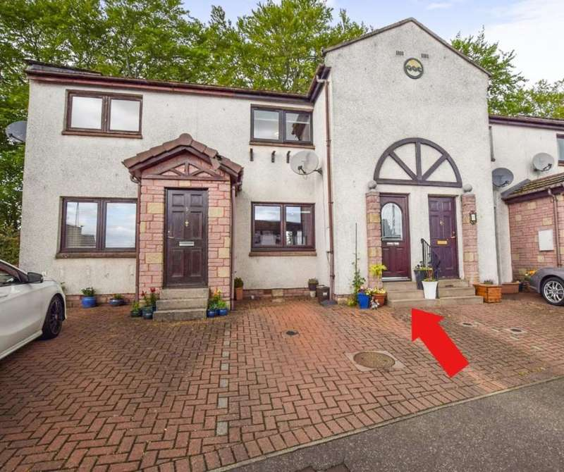 2 Bedrooms Semi Detached House for sale in Tweed Mill Brae, Forfar