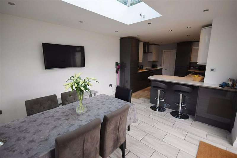 4 Bedrooms Bungalow for sale in Reddings Road, Cheltenham, Gloucestershire