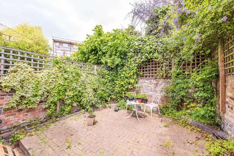 3 Bedrooms Terraced House for sale in Methley Street, Kennington, SE11