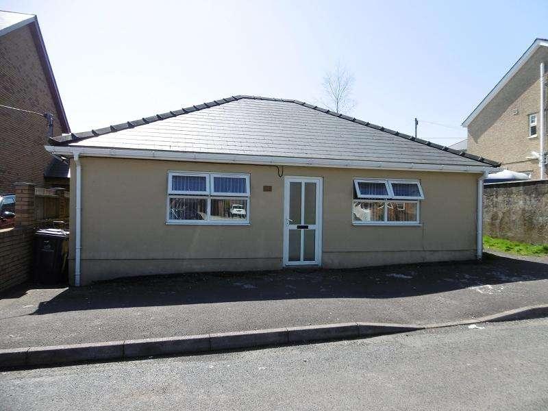 3 Bedrooms Bungalow for sale in Charles Street, Tredegar, Blaenau Gwent.