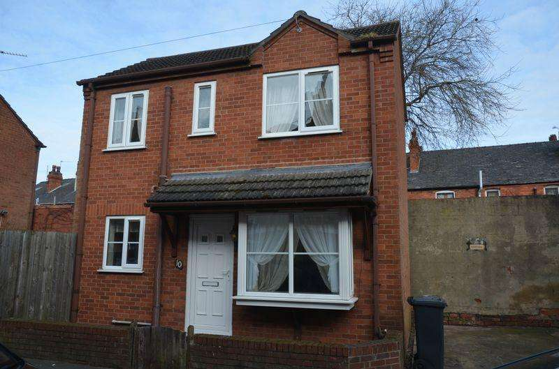 2 Bedrooms Detached House for sale in Queen Street, Lincoln