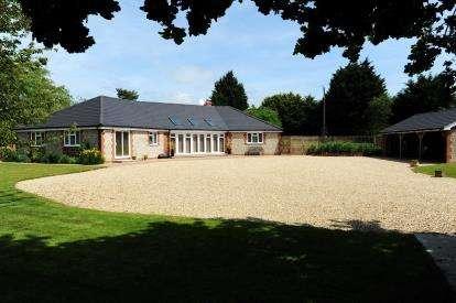 4 Bedrooms Bungalow for sale in South Creake, Fakenham, Norfolk