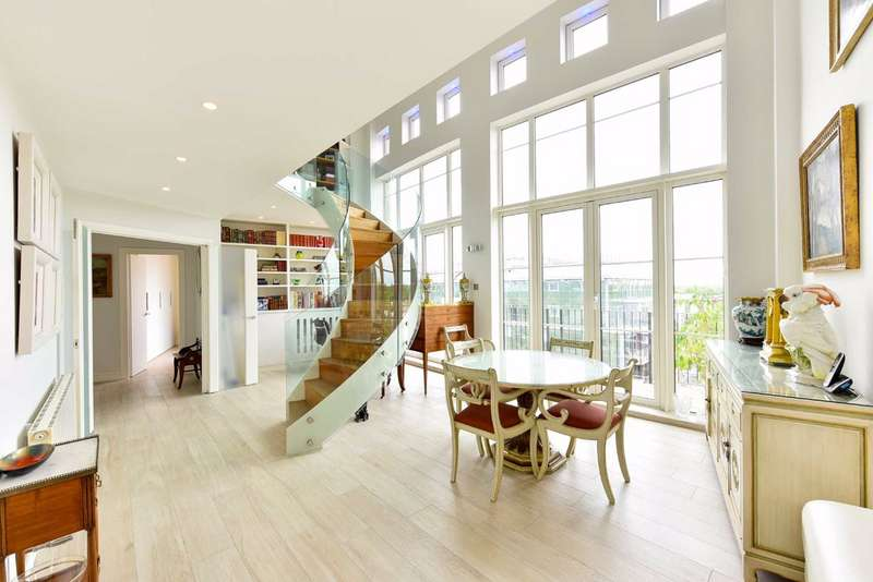 3 Bedrooms Flat for sale in Marys Court, London, NW1