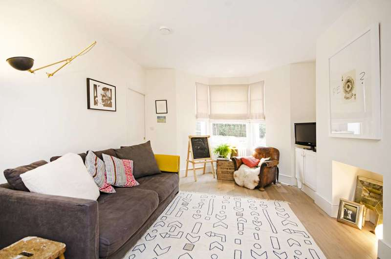4 Bedrooms Terraced House for sale in Abersham Road, Dalston, E8