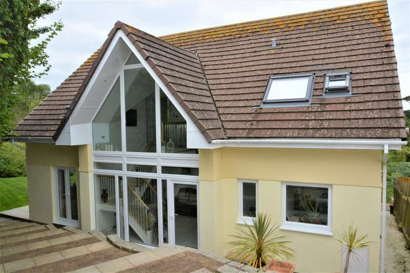 4 Bedrooms Detached House for sale in Mevagissey, Cornwall. PL26