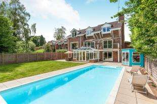 6 Bedrooms Detached House for sale in Hill House Close, Turners Hill, West Sussex, Nr Crawley