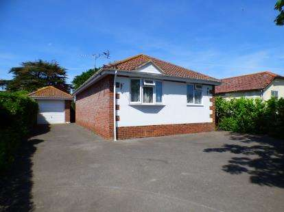 2 Bedrooms Bungalow for sale in Hayling Island, Hampshire, .