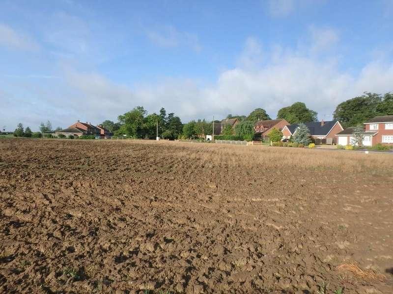 Land Commercial for sale in Building Plots / Land, Moulton