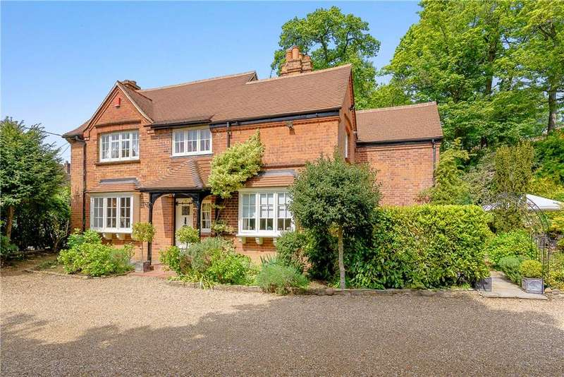 3 Bedrooms Detached House for sale in Warren Road, Woodley, Reading, Berkshire, RG5