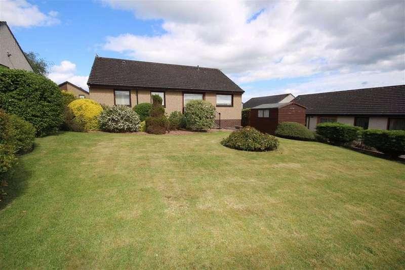 3 Bedrooms Detached Bungalow for sale in 5, Watts Gardens, Cupar, Fife, KY15