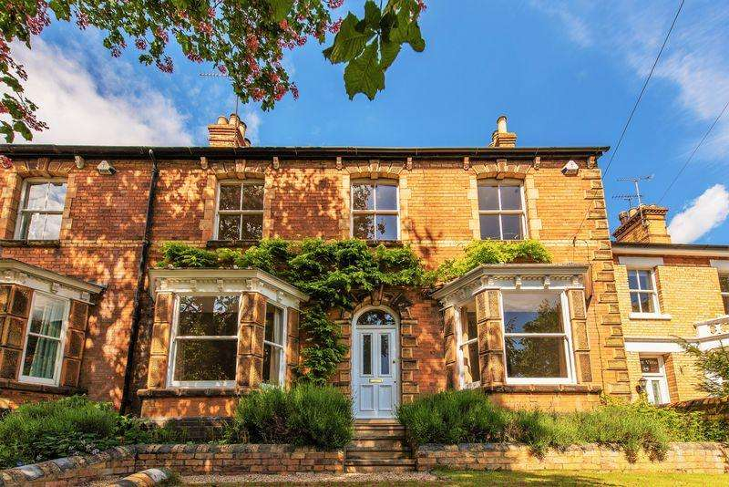 4 Bedrooms Town House for sale in Casterton Road, Stamford