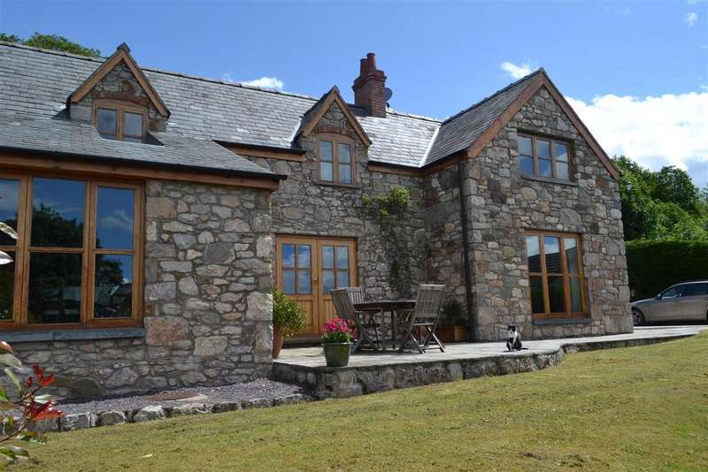 4 Bedrooms Semi Detached House for sale in Tremeirchion