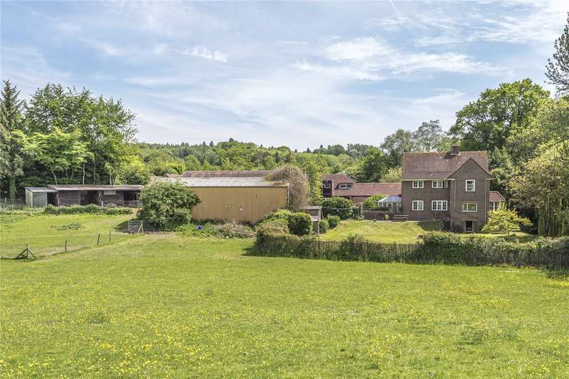 4 Bedrooms Detached House for sale in Midhurst Road, Haslemere