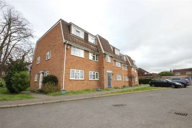 2 Bedrooms Flat for sale in Shelton Court, London Road, SLOUGH, Berkshire