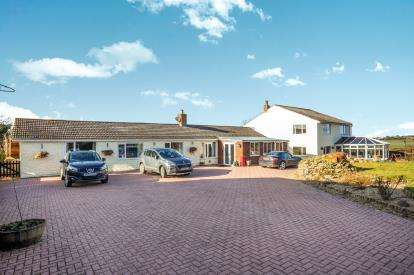3 Bedrooms Detached House for sale in Long Lane, Mumby, Alford, Lincolnshire