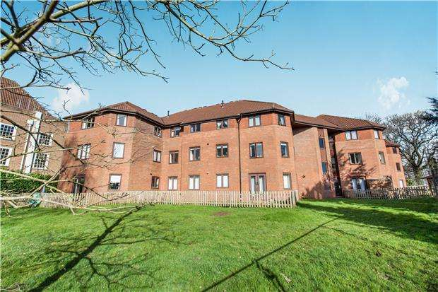2 Bedrooms Flat for sale in Frances Greeves House, Henbury, Bristol, BS10 7FG
