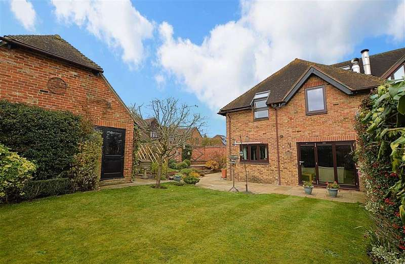 4 Bedrooms Terraced House for rent in Church Farm Barns, Mortimer, Reading, RG7